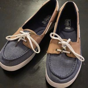 9.5 Keds woman's canvas loafer.